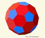 Um poliedro uniforme do tipo (5,6,6): em cada vértice encontram-se um pentágono regular e dois hexágonos regulares.