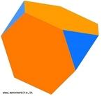 Um poliedro uniforme do tipo (3,6,6): em torno de cada vértice há um triângulo equilátero e dois hexágonos regulares.